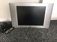 29inch tv with freeview box (20 inch screen)