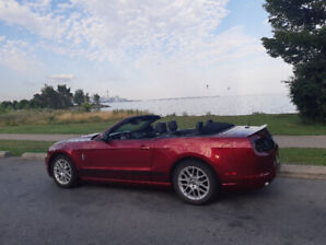 MUSTANG V6 CONVERTIBLE EXCELLENT CONDITIONS