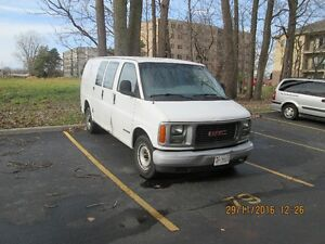 2002 GMC Savana cloth vynel Minivan, Van Windsor Region Ontario image 2