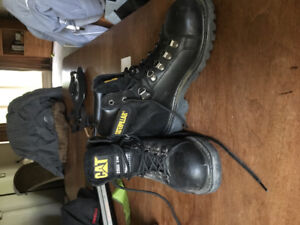 STEEL TOE BOOTS, CAT INSULATED SIZE 6 (WIDE) NEVER WORN OUTSIDE