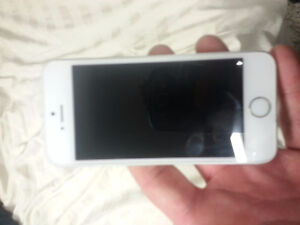 White 16gb White phone 5S in Great Shape