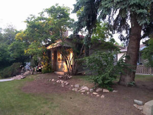 4 bed, 2 bath House in Beautiful Parkallen Available for Rent