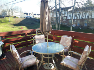 Patio set for sale for $60