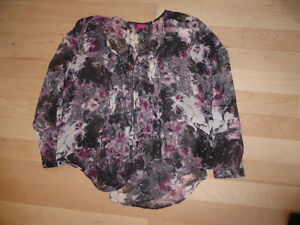 Ladies dress tops, size L and XL, excellent condition $ 10-$15 Kitchener / Waterloo Kitchener Area image 10