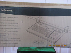 BRAND NEW Fellowes Large Keyboard Drawer West Island Greater Montréal image 3