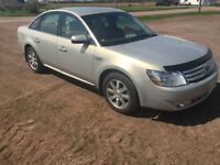 Immaculate condition 2009 Ford Taurus SEL