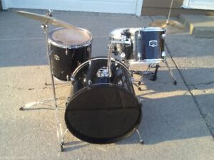 DRUM SET FOR SALE with CYMBALS and HARDWARE.