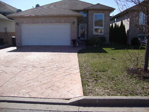 HOUSE FOR SALE IN WINDSOR ONT BUAUTIFUL HOUSE AND AREA AND 12 YE