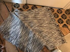 6 x immaculate identical heavy cotton rugs