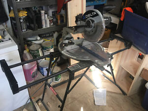 Delta Compound Mitre Saw with stand in CHETWYND