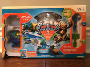 Skylanders Trap Team Console and Characters