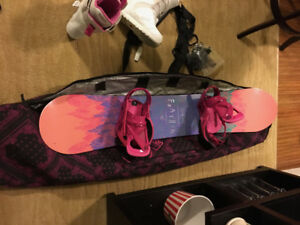 Women's Burton Feather Snowboard with Boots, Bindings and Bag!