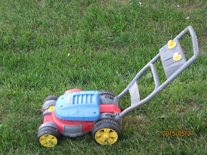 MULTIPLE TOYS EASELS, TRUCK, LAWNMOWER, WALKER, ACTIVITY TABLE Peterborough Peterborough Area image 9