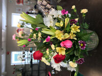 FLOWERS UNLIMITED 9055421500 dz roses in box delivered in GTA 69