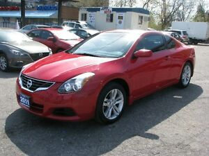 2011 Nissan Altima 2.5 S Coupe (2 door)*$9500+HST*