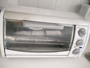 Black & Decker toaster and oven