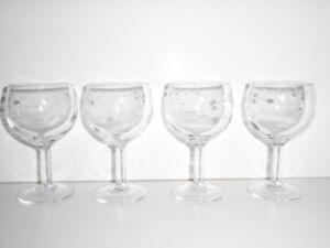 4 WINE GLASSES WITH DELICATE FROSTED FLORAL PATTERN - MINT