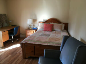 spacious  bedroom for rent clean quiet next to UNB/SJRH