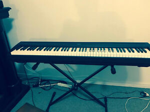 Yamaha P-95B keyboard with stand/pedal/music book holder