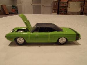 LOOSE Racing Champions MINT Motor Trend 1970 Dodge Super Bee 199