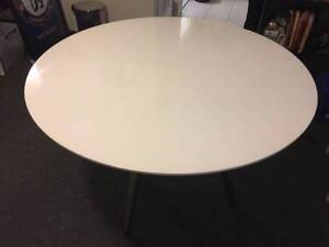 White Table + 4 Chairs Richmond Hawkesbury Area Preview