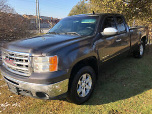 2010 GMC  Sierra 1500 Z71 4X4  extended cab NO RUST