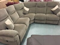Brand new LA Z Boy corner sofa , dual power recliner