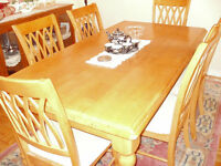 Solid Wood Dining room set Large table with 6 chairs