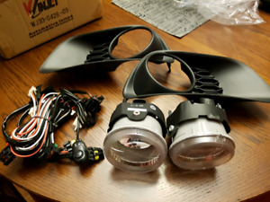 Brand New fog lamps, wiring and inserts for Grand Caravan