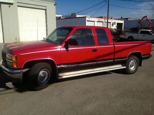 1993 CHEVROLET 2500 SLE LOW KMS. TRAILER TOW