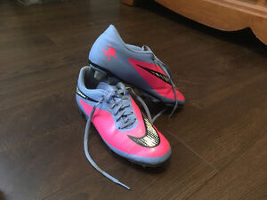 Cleats Nike Size 7