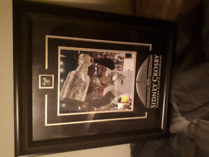 Sidney Crosby signed picture with jersey