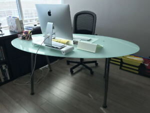 Table or desk - office or home - dining or meeting