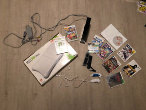 Wii Gaming Console + 10 Games