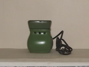 Full Size WAX WARMER - Not Scentsy brand