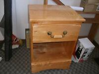 Dresser/DeskBed Night Table Hardwood Honey Maple 6 Drawer Bed