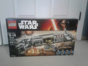 Lego star wars 75140 resistance troop transporter. New!