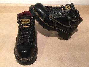 Men's Yellow Stone Rugged Wear Boots Size 9 London Ontario image 1