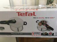 Tefal 4litre Chrome Pressure Cooker in box