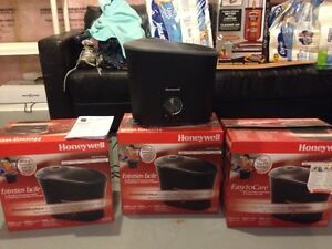 3 Honeywell Humidifier for sale