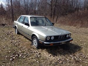 Old BMW cars. Accident cars, damaged cars