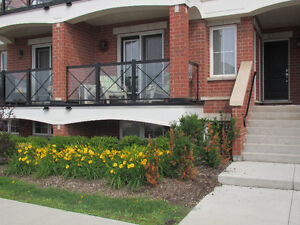 2 Bedrooms Fully Furnished Townhome in Oakville - $2,495 Monthly