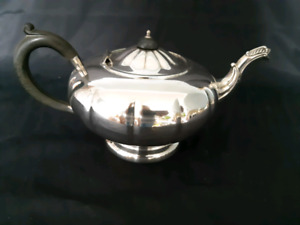Vintage Marlboro Plate Reproduction Silver Plated Copper Tea Pot