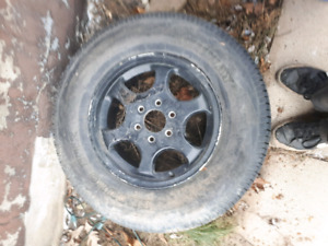 245 70 16 inch tire and rim