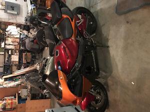Kawasaki zx7r quick sale!