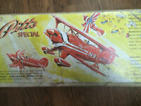 Midwest Pitts Special biplane radio control kit