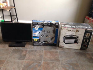 $20 EACH (WHEEL CUP + SLOW COOKER + MONITER+ PAINTING) (YORKTON)