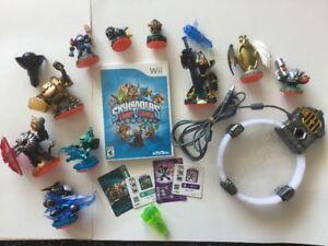 Wii Skylanders: Trap Team 10 fig, 3 élément, cartes etc..40$