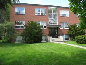 1 AND 2 BEDROOMS AVAILABLE IN WEST HAMILTON NEAR MCMASTER
