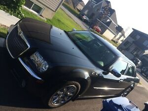 Chrysler Luxory 300C V8 HEMI 2010 (34000km) serious offers only